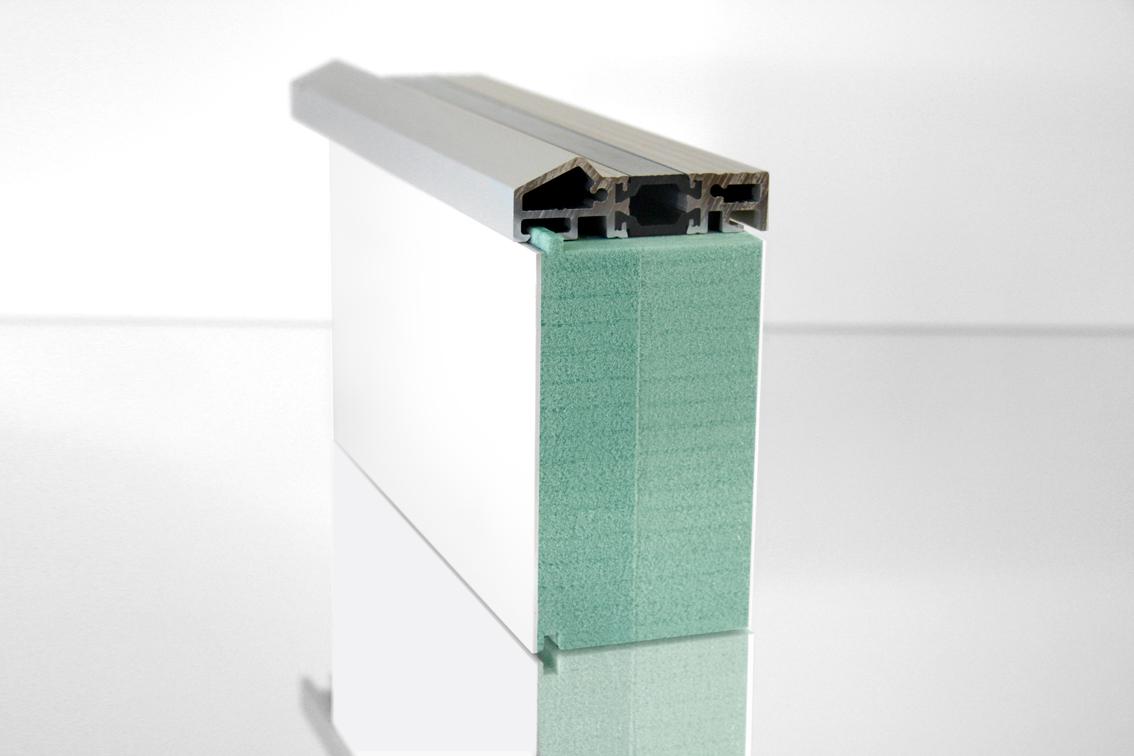 Profil izolacyjny podbudowy z aluminiowym progiem drzwi z Kerdyn Green FR